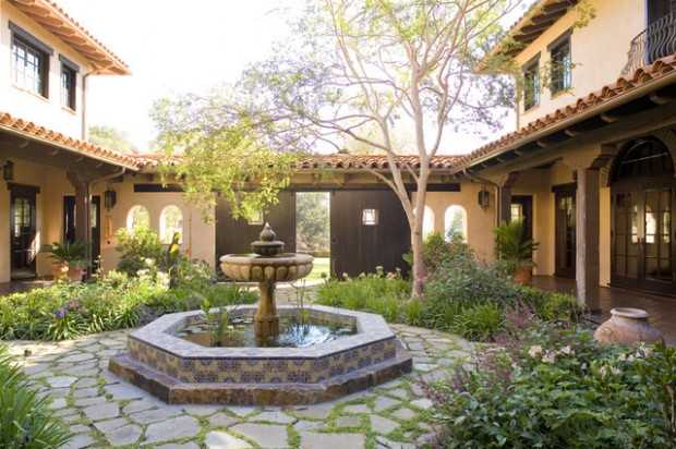 Amazing Courtyards: 19 Landscaping Design Ideas