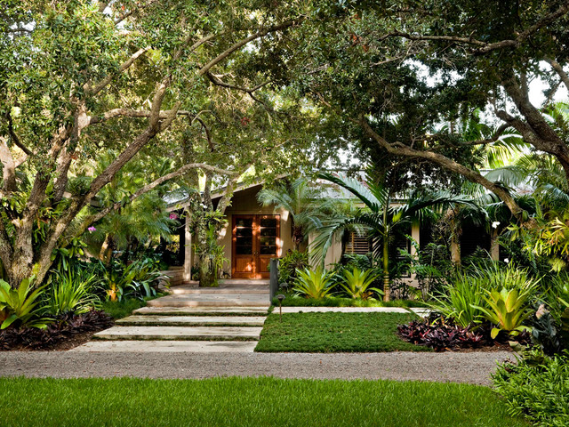 Small front yard landscaping ideas dog breeds picture for Amazing front yard landscaping