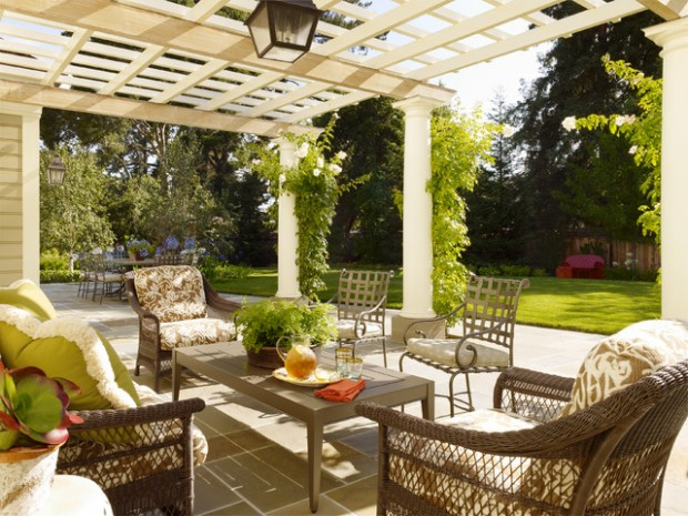 Wicker Patio Furniture Ideas for Perfect Outdoor Summer Decor (16)