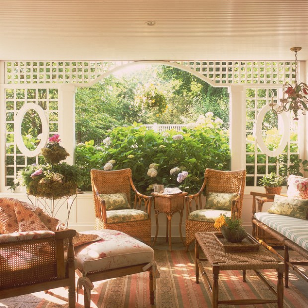Wicker Patio Furniture Ideas for Perfect Outdoor Summer Decor (23)