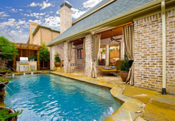 20 Amazing Pool Design Ideas for Your Small Backyard Area - small backyard pools, small backyard, pool design, pool, backyard design, backyard