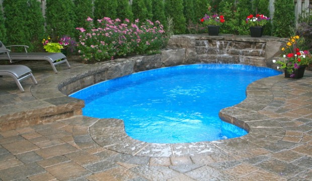 Amazing Pool Design Ideas for Your Small Backyard Area (8)