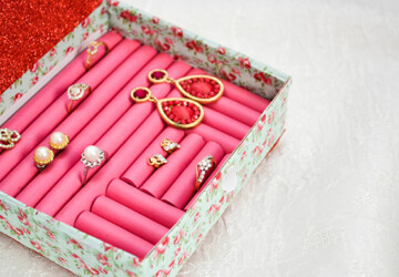 14 Simple and Creative DIY Jewelry Storage and Organization Ideas - diy storage, diy organization projects, diy jewelry storage, diy jewelry organization