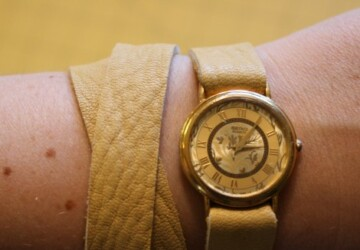 17 Delightful DIY Hand Watches That You Need to Try This Fall - Handheld watches, diy