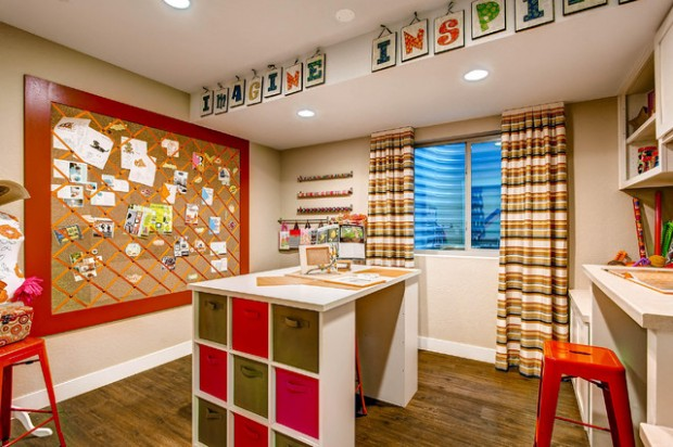 15 creative ideas how to organize your craft room style for Stay at home craft jobs