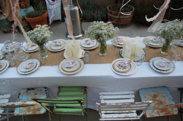 19 Lovely Outdoor Table Settings Ideas for Small Summer Party