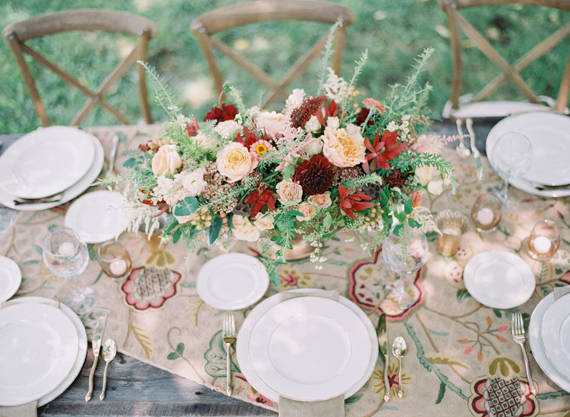 20 Romantic Decor Ideas for Fall Themed Wedding  (12)