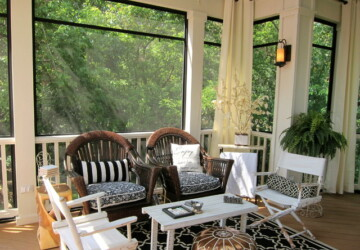 Outdoor Decor: 20 Cozy Porch Ideas to Inspire You - porch design, porch decor, Porch, fall porch decor, cozy porch