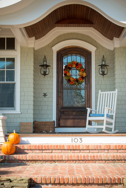 18 Pretty Front Porch Decorating Ideas For Fall Style