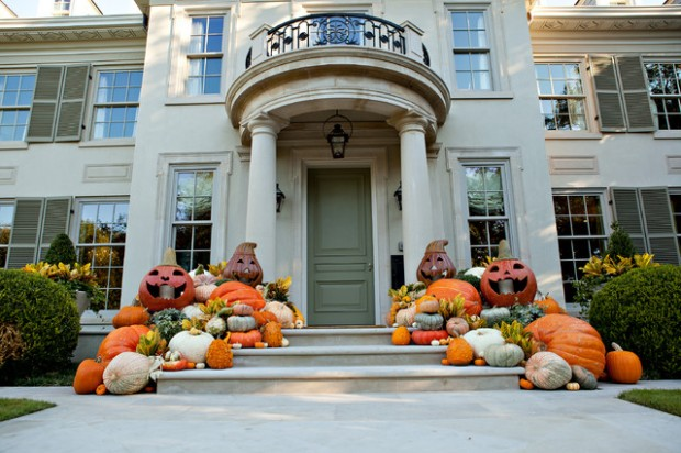 16 spooky front porch decorating ideas for halloween