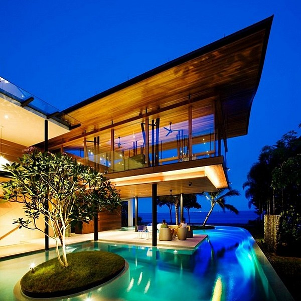 luxurious-mansion-with-fancy-pool-design