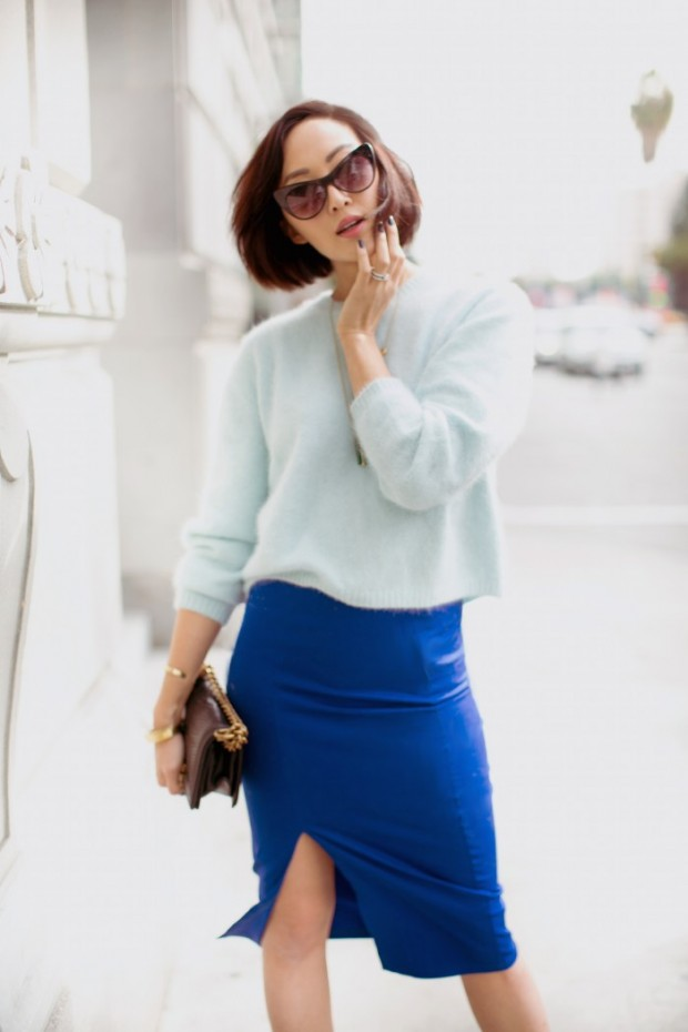 22 Chic Sweater and Skirt Street Style Combinations for Fall