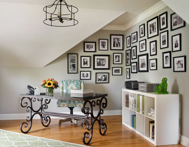 20 Creative Family Photo Gallery Wall Ideas for Any Room - wall gallery, wall art, photo wall, photo gallery, gallery wall