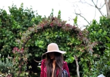 Burgundy Love: 15 Outfit Ideas to Inspire You - fall trend, fall outfit ideas, fall fashion, burgundy outfit ideas, burgundy