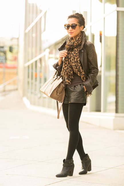 Fall Essential: Scarf for Stylish Look