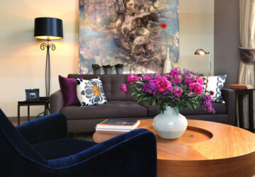 Colorful Bouquet of Freshness - 22 Living Rooms Decorated with Flowers - Living room, light, freshness, flowers, Colorful