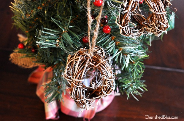 how to create a christmas atmosphere
