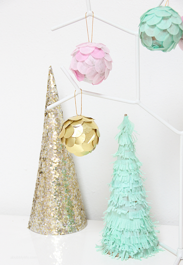 Create Joyful Atmosphere with this 23 Easy and Clever Handmade Christmas Ornaments - winter, ornaments, Diy Christmas ornaments, diy, Christmas ornaments, Christmas