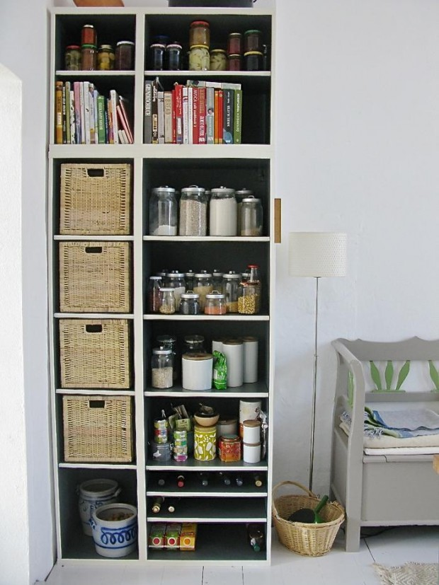 16 brilliant hacks for small kitchen organization style for Small kitchen storage