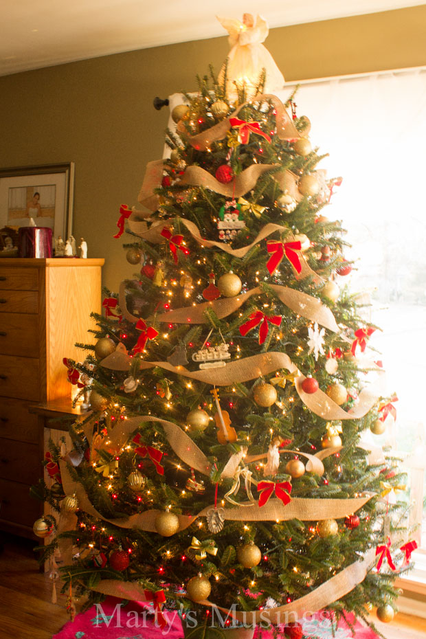 17 festive christmas tree decorating ideas to inspire you for Decor 17