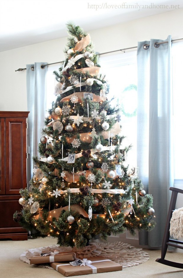 17 Festive Christmas Tree Decorating Ideas to Inspire You
