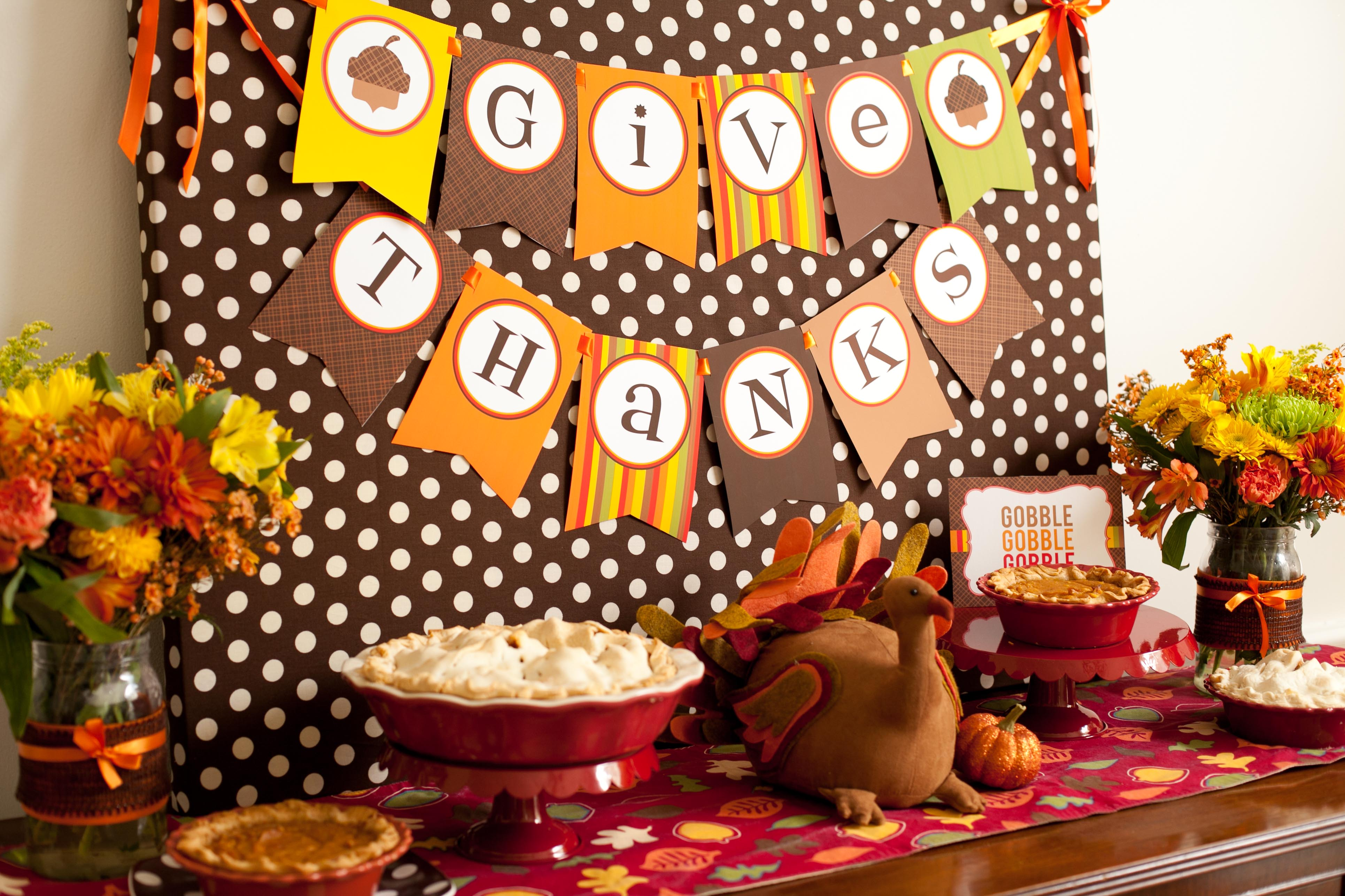 17 Creative And Fun Diy Decorations For Thanksgiving Holiday Style Motivation