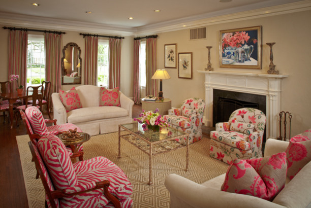 Pink Details for Lovely Chich Living Room Look