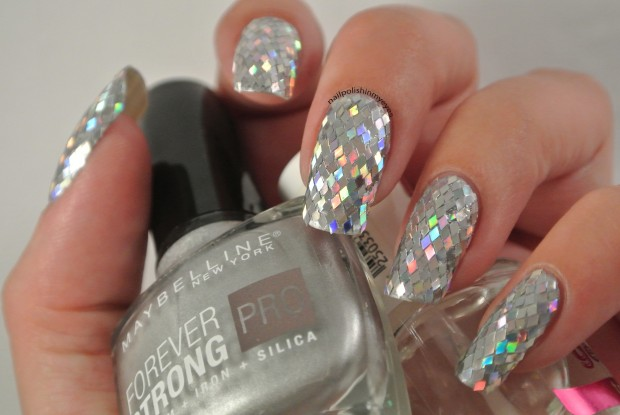 19 Glitter Nail Art Ideas   Perfect Choice for the Holiday season