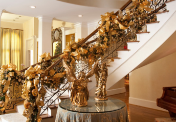 21 Ideas for Christmas Staircase Decorations - staircase, home decor, decoration, christmas staicase, christmas decor, Christmas