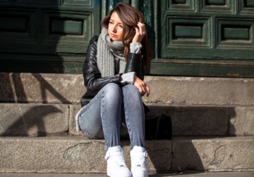 How to Wear Jeans in Chilly Weather - 23 Outfit Ideas - winter, Stylish, outfit for cold days, jeans, fashion