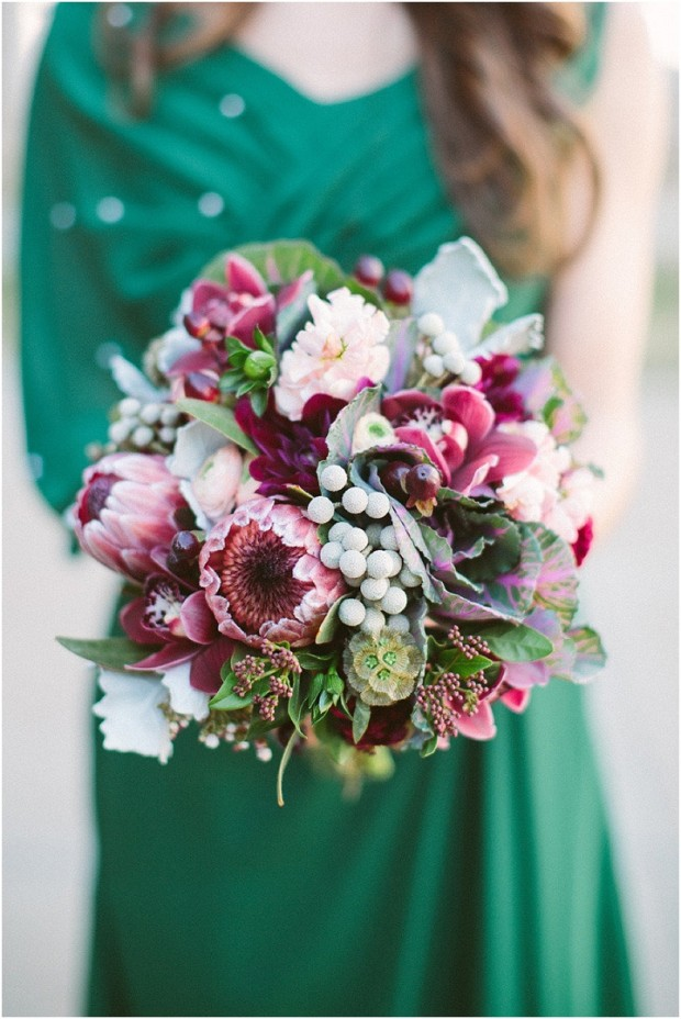 20 Beautiful Winter Wedding Bouquets