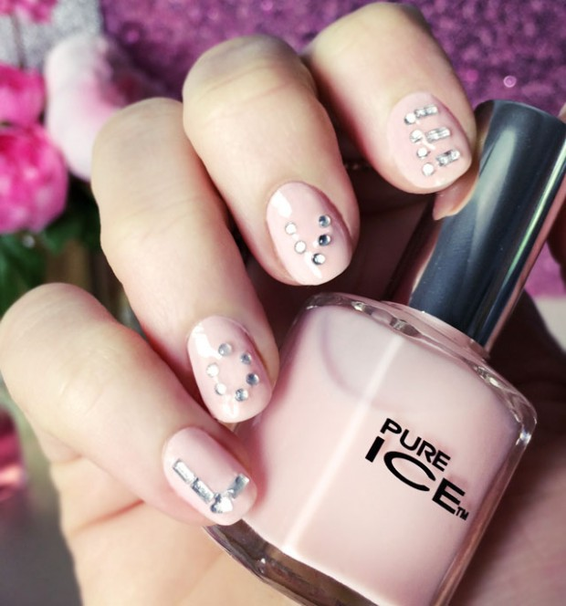 16 Simple and Elegant Nail Art Ideas