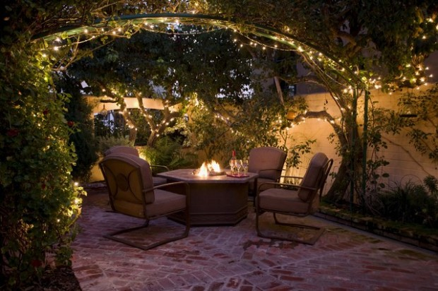 Warm Up Your Patio: 17 Ways to Give Your Patio Cozy Winter Makeover