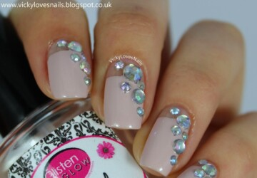 16 Spectacular 3D Nail Designs- Rhinestones, Gems and Pearls on Your Nails - spectacular, nail art ideas, dramatic nail art, 3D nails art, 3D nails