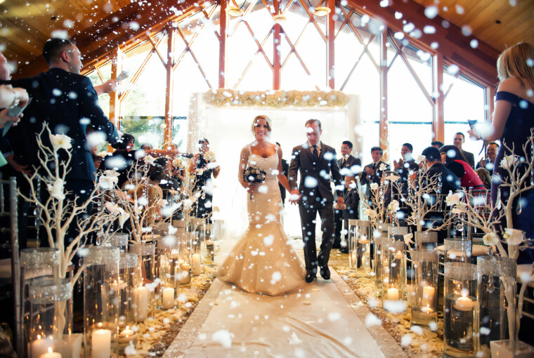 22 Magical and Romantic Winter Wedding Decorating Ideas - winter wedding decoration, winter wedding bouquets, winter wedding, romantic wedding
