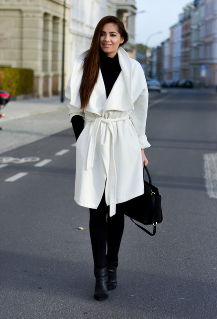 18 Chic Black and White Outfits  to Wear Now