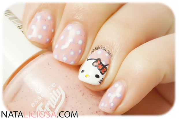 Cute Dots on Your Nails for Adorable Nails Look