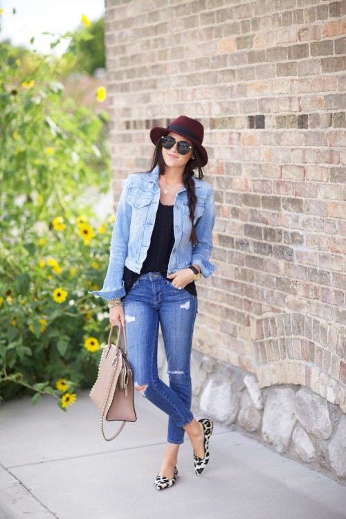 20 Outfit Ideas + Tips On How To Wear Denim Jacket