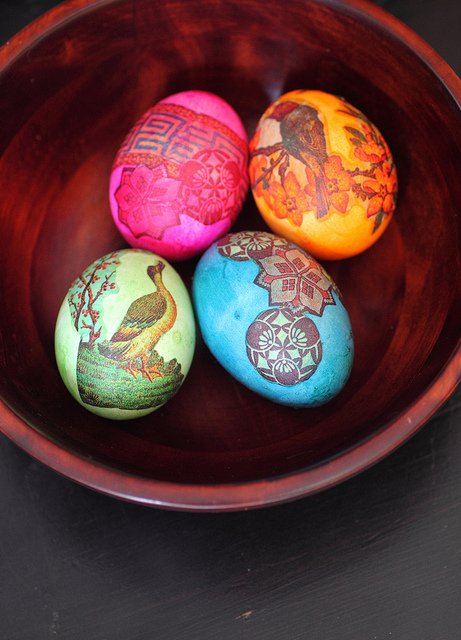 20-Creative-and-Easy-DIY-Easter-Egg-Decorating-Ideas-4
