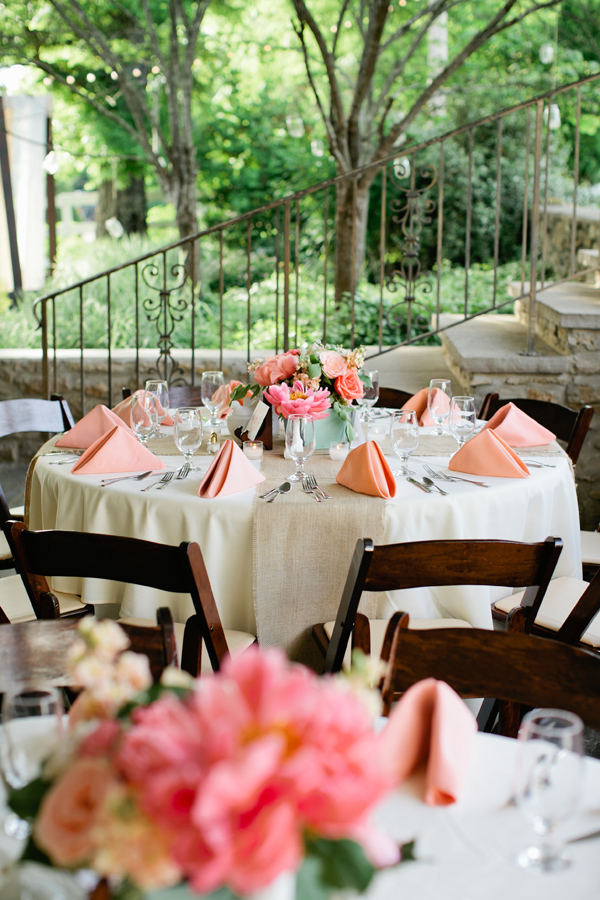 17 Romantic Spring Wedding Decor Ideas