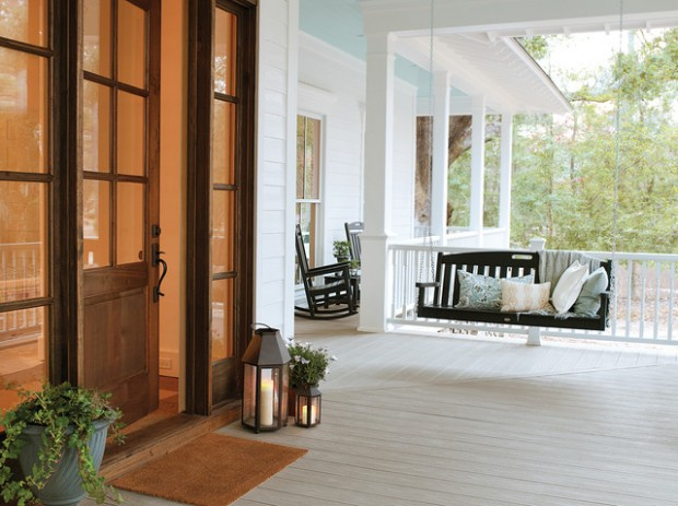 20 Cozy Porch Swings for Relaxed Sunny Days
