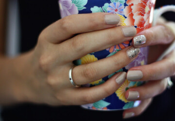 16 Sparkle Nail Art Ideas for Dramatic Nails Look - sparkle nail art, nails with sparkles, nail art ideas, dramatic nail art