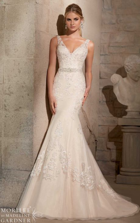 18 Elegant Wedding Dresses For Modern Brides