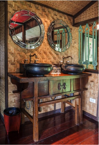 Crazy for Country: Americana Bathroom Design Ideas
