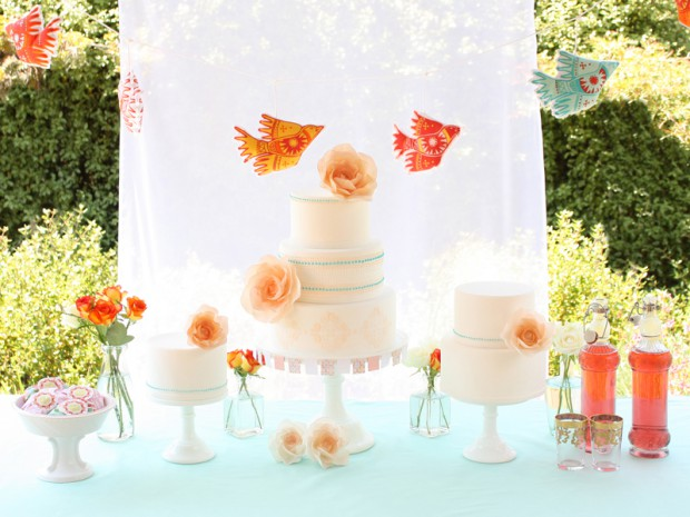 15 Gorgeous Wedding Cake Ideas Inspired by The Summer