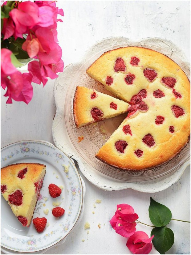 15 Delicious and Easy Summer Fruit Cake Recipes
