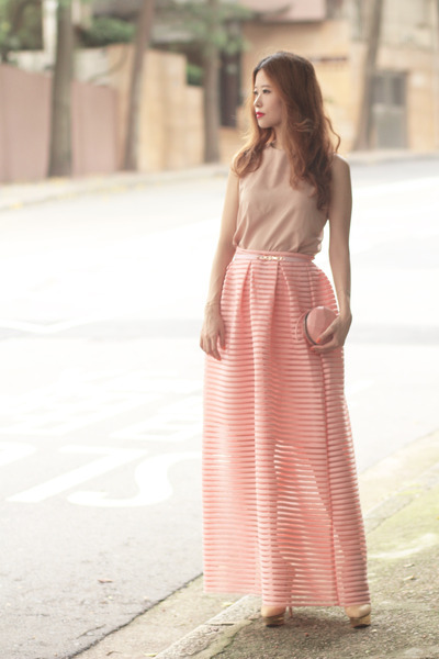 Pale Pink for Romantic Summer Look  17 Lovely Outfit Ideas