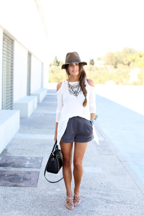 19 Stylish And Comfortable Shorts Outfit Ideas For Summer - Style Motivation