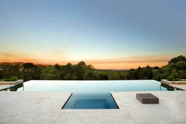Image gallery infinity pool designs for Pool edges design
