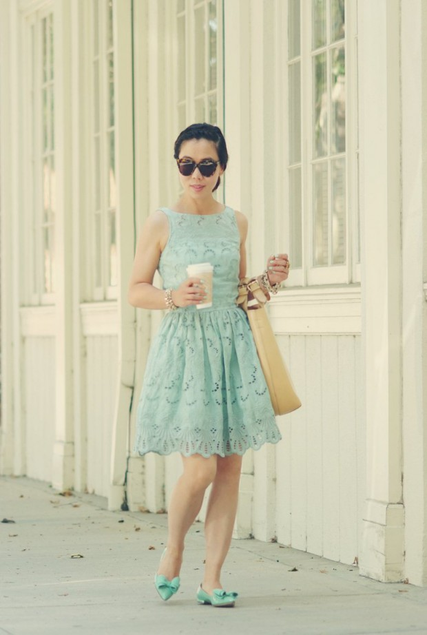 HallieDaily-Summer-Braid-and-Mint-Lace-Dress_15